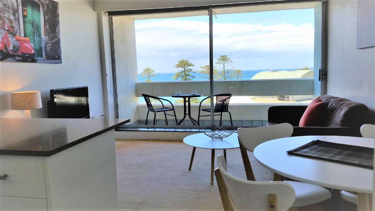 Split level one bedroom apartments | Manly National ...