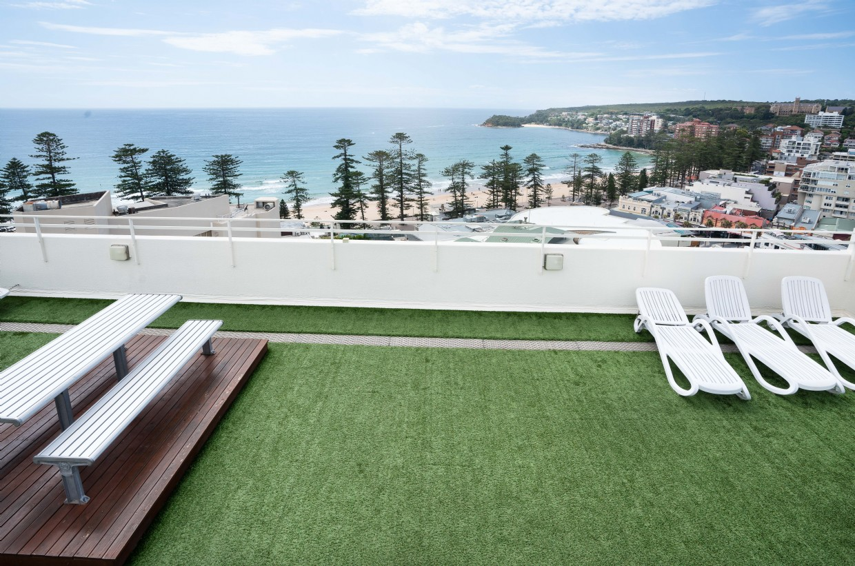 Common roof top terrace with BBQ area, coin operated laundies and plunge pool